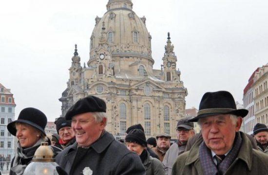 dresden-friedenslicht-DW-Politik-Dresden-jpg