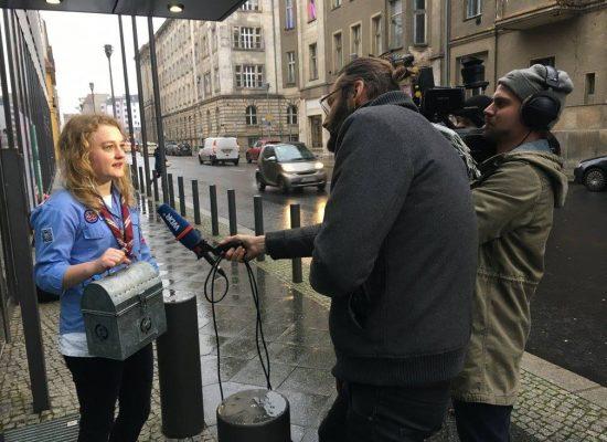 Kurz vor der Übergabe im BMFSFJ holte sich der WDR für die Lokalzeit Münsterland noch ein Statement von unserer Delegationsteilnehmerin Münster