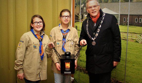 Scouts-brachten-het-vredeslicht-naar-Numansdorp