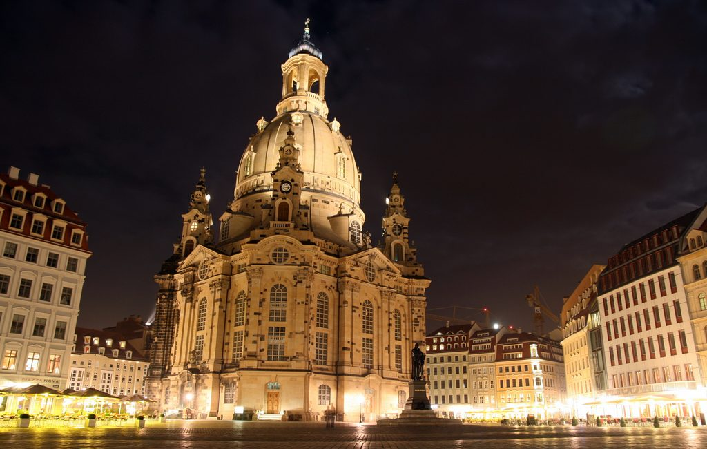 Frauenkirche_by_night