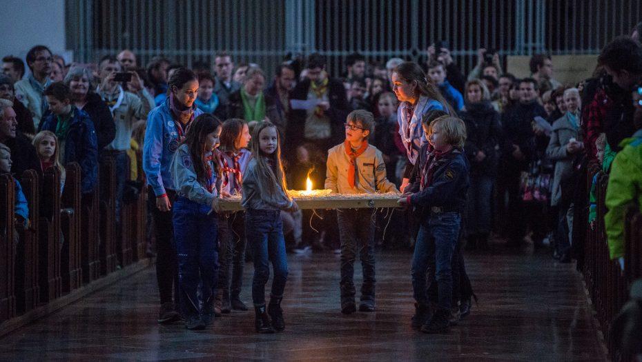 Friedenslicht Liebfrauendom 11.12.2016