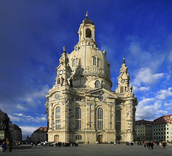 Munich-Germany-Frauenkirche-is-one-of-the-most-popular-places-in-the-city