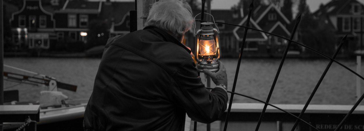 lights-2942099_1920