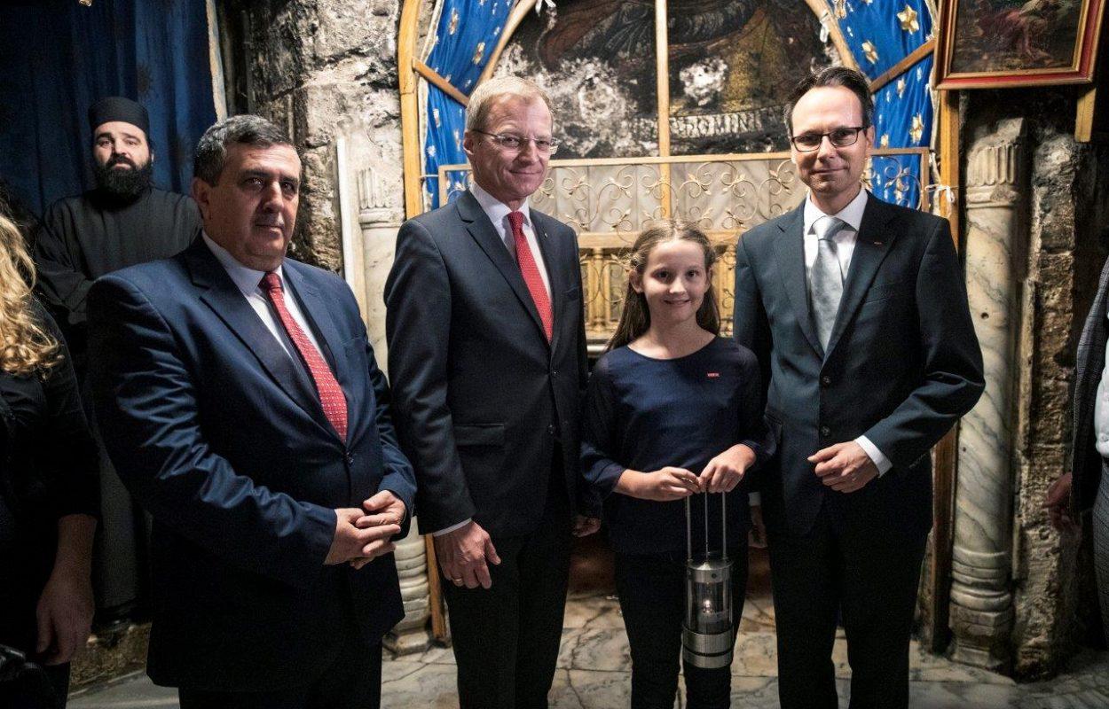 Foto 3_ORF-FRIEDENSLICHT in Bethlehem entzündt